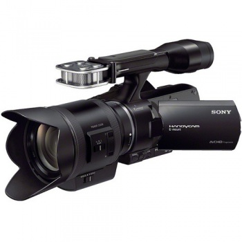 Sony NEX-VG30EH PALCamcorder with 18-200mm f/3.5-6.3 Power Zoom (PZ) Lens