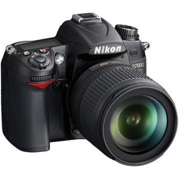 Nikon D7000 DSLR Camera Kit with Nikon 18-105mm DX VR Lens